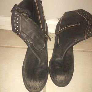 Black Guess Ankle Boots zip on side